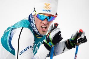 Calle Halfvarsson åkte ur i sprintkvarten. Foto: Carl Sandin (Bildbyrån).