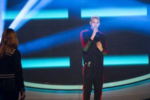På fredag uppträder William Strid med låten Wrecking ball av Miley Cyrus under temat diva.