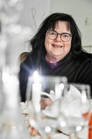 Lena G Andersson vill att nyårsafton andas nutid.
