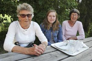 Många besökare kommer inte från byn. Här är besökare från Bollnäs och Gällivare.