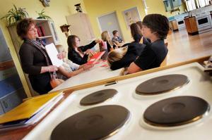 I Svenstavik är det köpstopp till bland annat hemkunskapen. I stället för matlagning får eleverna ha teoretiska lektioner.