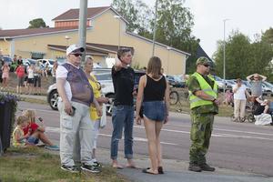 Nästan hela Sveg var ute när brandmännen från Polen anlände.