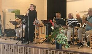 Jazzbandet Håttgåbban spelade fina kända låtar. Foto: Elisabet Yngström