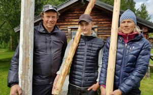 Jan Nilsson, Leo Funseth och Åsa Nilsson vann en varsin klass när det var VM i stångstörtning på hembygdsgården i Vemdalen.