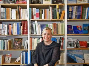 – Det vore bra om politikerna kunde förstå att både idrottshallar och kulturhus behövs för att folk ska må bra och för att staden blir trevligare att bo i och besöka, anser Katarina Pierre, bördig från Hammarstrand och ny chef för Bildmuseet i Umeå.