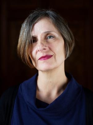 Susanna Alakoski inleder med