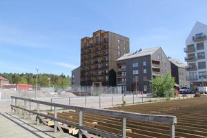 Nybyggda hus vid Kajstaden nära Kokpunkten. Frågan är om det får ett nytt 15-våningshus som grannar.