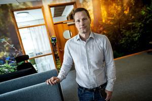 Markingenjör Andreas Ödling berättar att dioxin är ett miljögift som går att koppla till sågverkshantering och impregnering.