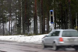 Kameror längs vägarna får förare att sänka farten. Det räddar 20-30 liv om året, enligt Trafikverket.