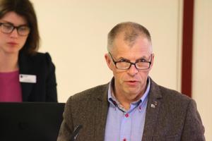 Håkan Söderman (M), ordförande i kultur- och bildningsnämnden i Lekeberg berättar att skolskjutsarna är underbudgeterade med 3 miljoner kronor.Foto: Peter Eriksson/Arkiv