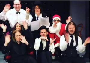 """Teatergruppen sätter upp julföreställningen """"Sherlock Holmes och julmysteriet"""" på Kraften. Foto: Lena Anderson"""