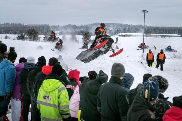 SM-finalen i skotercross avgörs på lördag i Kalix. 98 åkare deltar. Bild: Anders Nordlén.
