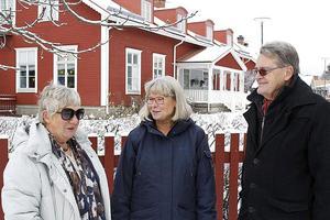 Elisabet Jansson, Kerstin Kjellström och Per-Göran Ersson i hembygdsföreningen Barkarö sockengille har tillsammans med övriga medlemmar jobbat hårt för att bevara Skogsbackens förskola.
