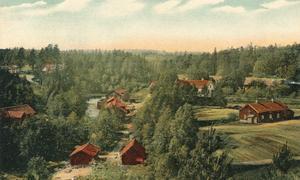 Utsikt över Bernshammar i Skinnskatteberg. Vykort från 1900.