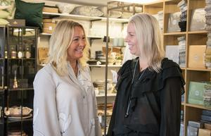 Mor och dotter är stolta över nomineringen till Årets butik.