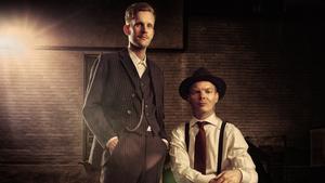 Robin Olovsson och Daniel Hermansson gör scenföreställning med