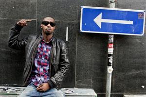Hej Sandviken. Lazee har precis släppt ny skiva, och är förband till 50 Cent i Sandviken 28 oktober.