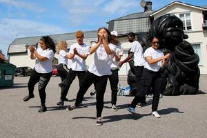 Ungdomarna i Tropical Mix uppträdde under Odenfestivalen i somras. Ett av flera arrangemang som fick stöd av Örebro kommun.