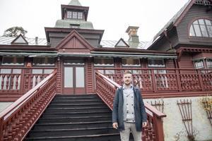 Det var 2014 som bolaget med Patrik Eriksson i spetsen tog över driften. Nu säger han att det känns tungt i hjärtat att stänga de 120-år gamla hotellet.
