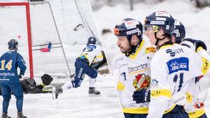 Falu BS gjorde 1–0 på Tunets IP redan efter knappt tre minuters spel, genom Lukas Mårdberg.
