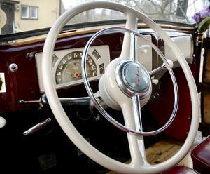 50-talet var inte stora plåtschabrak utan Volvo PV 444, påpekar skribenten. (Foto Annika Nygren-Berg/Arkiv)