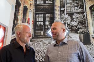 Ägarna Dennis Pernell och Pär Södergren, liksom Anders Flink (ej med på bild) satsar på att locka kvinnor till företaget genom marknadsföring och en god arbetsmiljö. Däremot tror de inte på kvotering. Företaget Mark erbjuder tjänster inom fastighetsskötsel. Pär Södergren är även känd för manga västeråsare som ordförande i VIK Hockey. Han är bror till Astrid Södergren, som också arbetar på Mark.