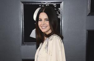 Den amerikanska popstjärnan Lana Del Rey är en av Daniel Johnstons stora beundrare. Foto: Evan Agostini/Invision/AP