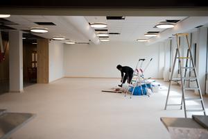 Den helt nya matsalen går att skärma av från köksdelen så att den går att använda som bland annat uppehållsrum eller mötesyta.