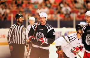 Nicklas Bäckström och de andra NHL-proffsen från Brynäs spelar i Gavlerinken torsdag 15 augusti i år.