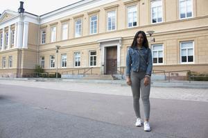Under hösten har Midia Maloudpoor planerat att tillsammans med gruppen Enade mot Våld fortsätta informera andra årets elever om hedersförtryck och våld mot kvinnor. Utanför skolan ska hon också föreläsa tillsammans med Ilona Chukro.