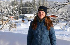 Isabell Isaksson trivs bra på Wången i Jämtland där hon går första året på naturbruksprogrammets islandshästprofil.