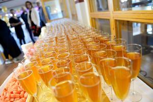 Bubbel i långa rader väntade på gästerna.