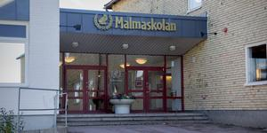 Malmaskolan i Kolsva dras med regelbundet återkommande inställda lektioner, hävdar insändaren.