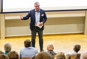 Det krävdes tre frågor efter protokollet från mötet där arbetsmiljön diskuterades innan Hans-Göran Karlsson bekräftade att det existerade.
