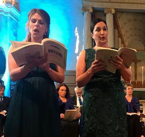 Uppåtstigande sopranen Sabina Bisholt överglänstes till slut av rutinerade hovsångerskan Katarina Karnéus i altstämman. Foto: Jens Runnberg