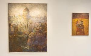 Två tavlor som säger mycket om utställningen.