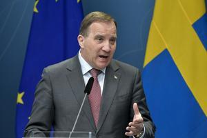 Stefan Löfven håller en presskonferens under torsdagen.