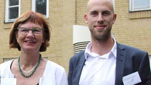 Carl-Oskar Bohlin (M) och Ann-Britt Åsebol (M) är kritiska mot regeringen som inte tidigare kriminaliserat samröre med IS.