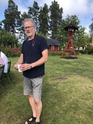 Lennart Östberg tar en välförtjänt kopp kaffe.