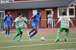 Mohamadou Sumareh var matchen gigant när Hassel tog säsongens första seger. Duellen mot Ånge slutade med en 3–1-vinst.