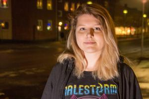 """""""Jag har ett eget larm med mig hela tiden. Jag tror på dem för de är verkligen högljudda. Tidigare har jag känt mig rädd när jag varit ute och gått med nycklarna i handen"""", säger Emilia Jurewicz."""