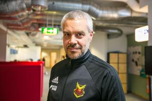 Direkt efter beslutet om att Kindbergs timeout gästade Patrick Sjöö, pressansvarg för Östersunds FK, ÖP:s redaktion. Han berättade att Hans Carlsson och Daniel Kindberg var helt överens om beslutet.