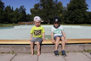 Kevin och Leo Degerman hade sett fram emot att åtminstone få känna på vattnet.
