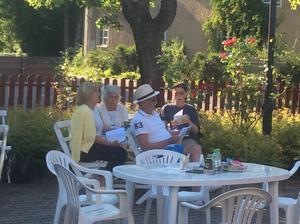 Publiken trollbands av Bondhyttans Caruso. Foto: Rune Johansson, Läsarbild