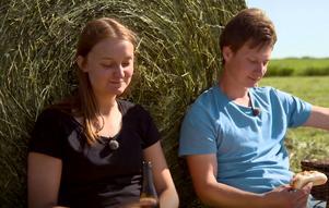 Den lyckade korvdejten i förra veckans avsnitt fick Cecilia rejält på fall. Foto: TV4.