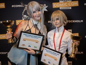 Hanna josefsson och Amanda Eriksson i sina karaktärer Kainé och Emil från spelet Nier, på WCS kval på Comic Con Stockholm.Foto: solliefoto.se