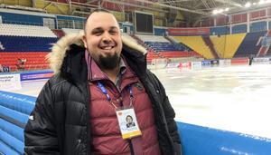 Denis Vishnevskii, rysk TV-producent som levererar bandy-VM till svenska tittare på Bandypuls.