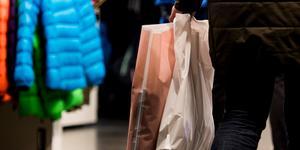 """""""Klädkedjorna tvingar på oss en konsumtion som vi inte behöver"""". Foto: Jon Olav Nesvold/TT"""