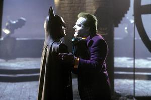 Batman (Michael Keaton) och Jokern (Jack NIcholson) gör upp i filmen