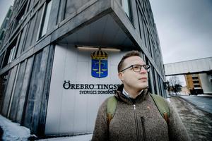 Dennis Martinsson, juris doktor och universitetslektor i straffrätt är tidningens nya krönikör.